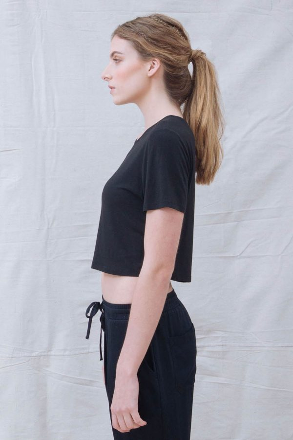 The_Great_Beyond_Bamboo_Crop_Top_Luna_Black02