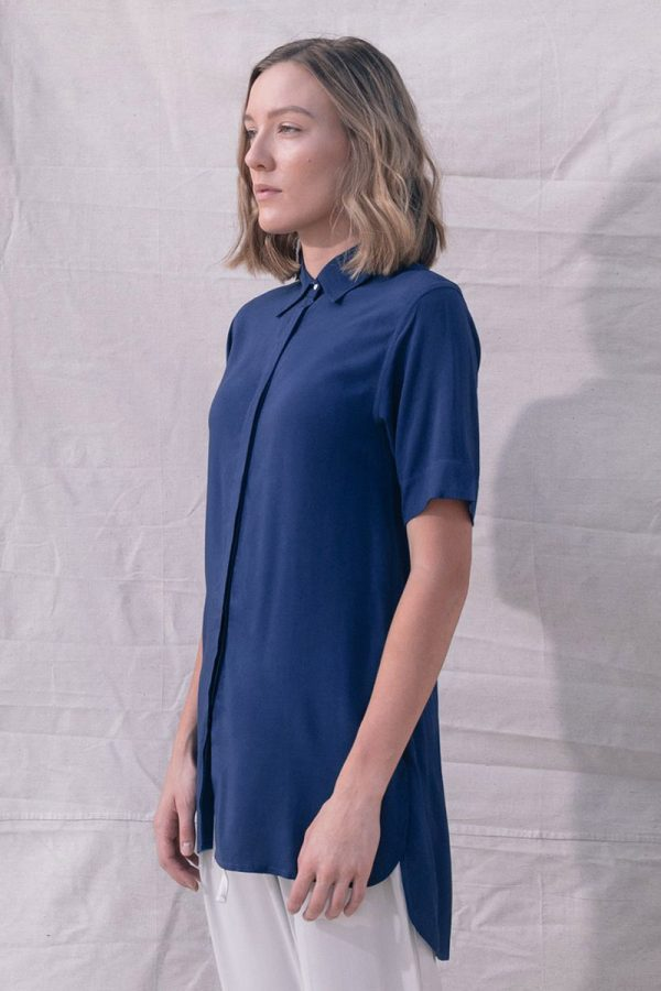The_Great_Beyond_Bamboo_Shirt_Bianca_Blue02