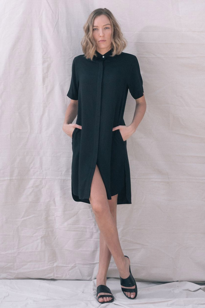 The_Great_Beyond_Bamboo_Shirt_Dress_Bianca_Black04