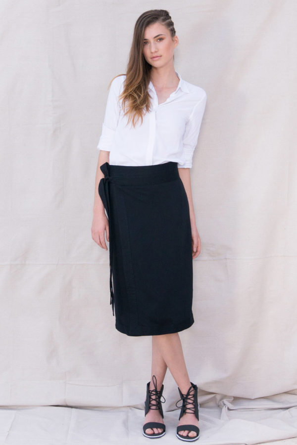 The_Great_Beyond_Bamboo_Skirt_Elara_Black01