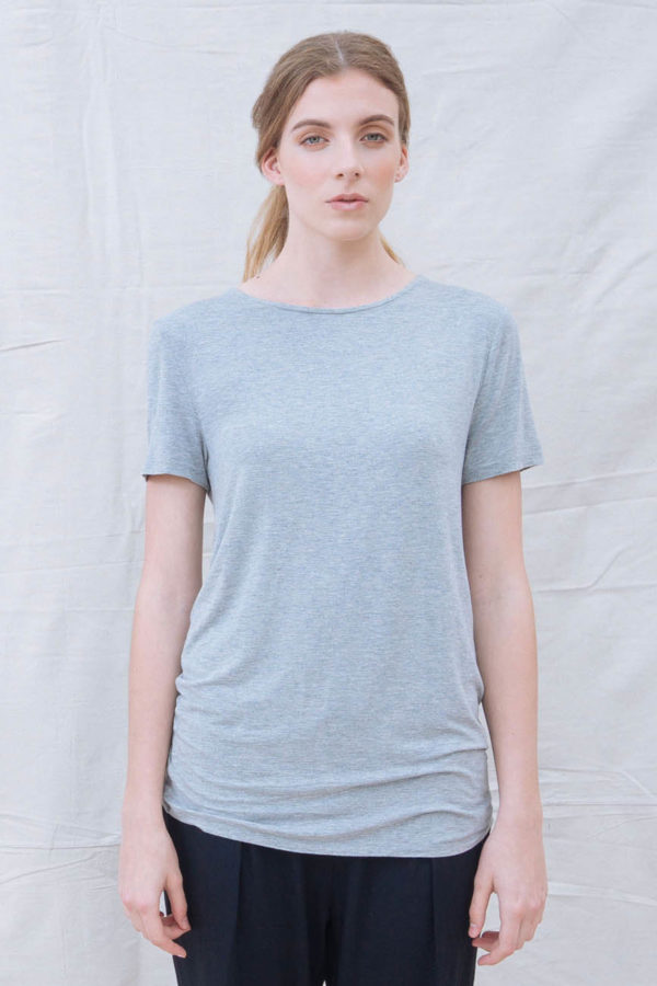 The_Great_Beyond_Bamboo_Top_Luna_Grey01