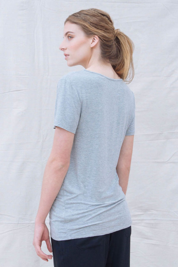 The_Great_Beyond_Bamboo_Top_Luna_Grey03