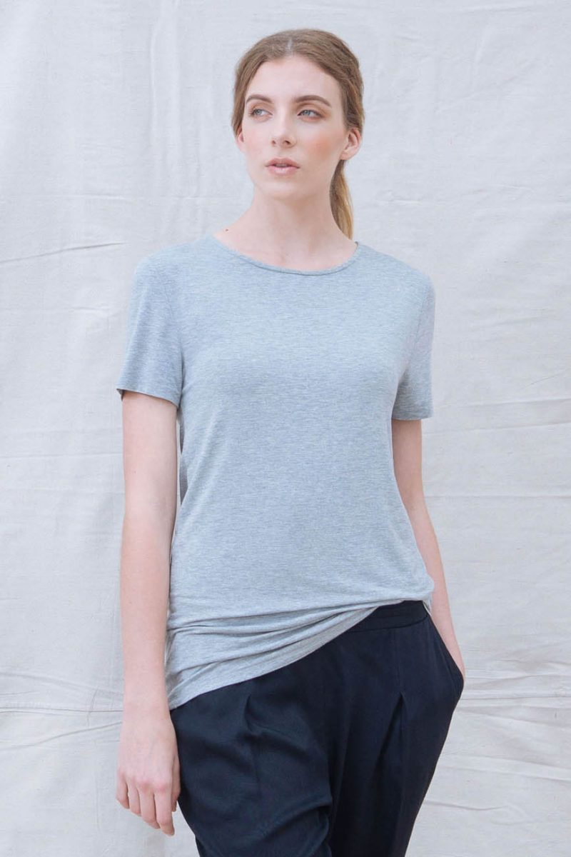 The_Great_Beyond_Bamboo_Top_Luna_Grey04