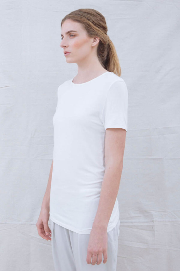 The_Great_Beyond_Bamboo_Top_Luna_White02